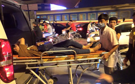 Hà Nội: Vô tình gặp tai nạn trên đường, xe cấp cứu tức tốc dừng xe cứu nạn nhân