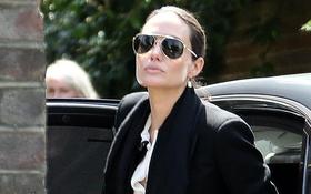 Angelina Jolie - Brad Pitt dùng tiệc trà cùng gia đình Hoàng tử William