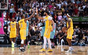 NBA 19-20: Bùng nổ ở hiệp 3, Los Angeles Lakers khiến Miami Heat nhận trận thua đầu tiên ở sân nhà trong mùa giải năm nay