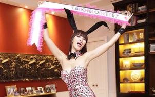 Hà Anh ăn vận sexy, làm tiệc Playboy chia tay đời độc thân