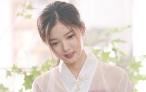 Vẻ đẹp tựa nữ thần tuổi 18 của sao nhí một thời Kim Yoo Jung khiến dân tình xôn xao