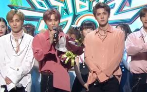 Fan muốn khóc trước lời phát biểu của Suho (EXO) tại Music Bank