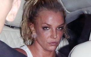 Fan tá hỏa vì gương mặt phờ phạc của Britney sau show diễn 90 phút