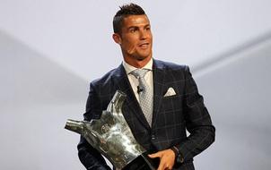 """Vượt Bale và Griezmann, Ronaldo đoạt danh hiệu """"Cầu thủ hay nhất châu Âu"""""""