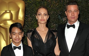Bạn gái cũ Brad Pitt ám chỉ Angelina Jolie là nguyên nhân khiến cho anh nóng giận với các con