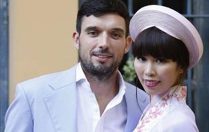Hà Anh tổ chức lễ hỏi đậm chất Việt cùng chồng Tây tại villa Hà Nội