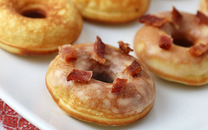 """Trông """"độc hại"""" thế thôi chứ những chiếc donut này sẽ giúp bạn giảm cân đấy!"""