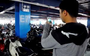 Chuyện thật như đùa khi gửi xe ở sân bay Tân Sơn Nhất: Phải chụp hình mới tìm được xe!