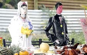 Hai người phụ nữ thiểu năng bị giết hại dã man rồi đem bán làm cô dâu ma cho người chết