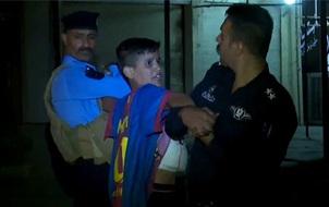 Nghi phạm khủng bố tuổi teen mặc áo Messi che giấu khối bom quấn quanh người