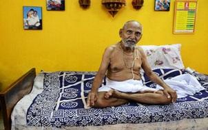 Cụ ông 120 tuổi tiết lộ bí quyết sống lâu là... không sex