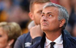 Mourinho đang học yêu lại từ đầu