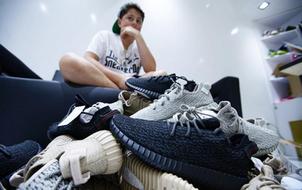"""16 tuổi kiếm được hơn 22 tỷ đồng - Chỉ nhờ bán sneaker hiếm mà cậu bé này đã """"phát tài""""!"""