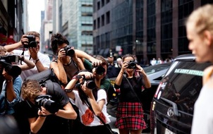 Câu hỏi khó: Các nhiếp ảnh gia chuyên chụp street style kiếm được bao nhiêu tiền?