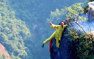 Tìm thấy một Người Nhện đời thực chuyên leo trèo quanh vách núi ở Trung Quốc