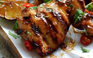 Bí kíp ướp gà kiểu Thái cho thịt mềm, da giòn ngon mê ly