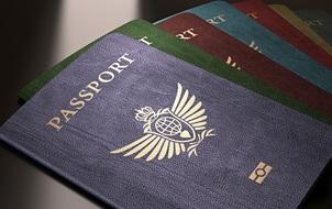 Bí mật về màu sắc trên cuốn hộ chiếu của các nước