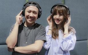 Trấn Thành nhiệt tình hướng dẫn Hari Won thu âm
