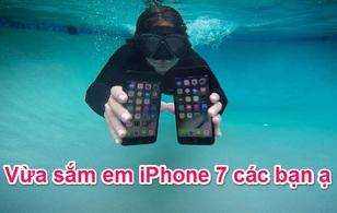 Cách thể hiện đẳng cấp mới của giới trẻ: Vừa tắm vừa dùng iPhone!