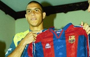Tròn 20 năm Barca chứng kiến Ronaldo huyền thoại ra đời