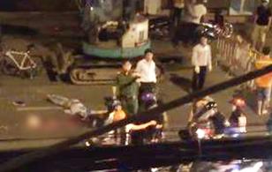 TP. HCM: Bạn bè gào khóc thảm thiết khi nam thanh niên bị xe tải cán chết trong đêm