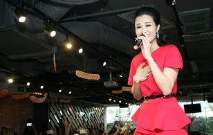 Đông Nhi phá lệ lần đầu hát hit mới trên sân khấu