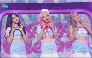 "G-Friend, 4Minute, AOA Cream tích cực ""quẩy"" sau Tết"