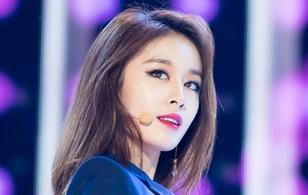 """Jiyeon (T-ara) xinh đẹp như tiên nữ trong loạt fancam """"đào mộ"""""""