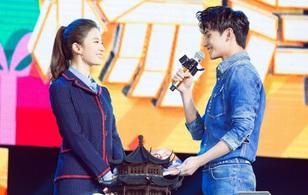 """Lưu Diệc Phi bất ngờ tới dự sinh nhật mừng tuổi 25 của """"Tiêu Nại"""" Dương Dương"""
