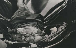 Nhìn lại lịch sử thế giới qua những bức ảnh đen trắng đầy ý nghĩa