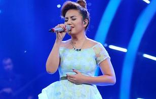 """Vietnam Idol: Thu Minh nhờ fan vote cho Janice, Huy Tuấn """"đánh yêu"""" Việt Thắng"""