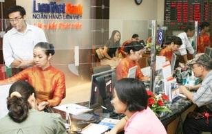 Ngân hàng ưu tiên tuyển nhân viên cùng họ với sếp