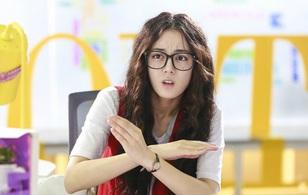 """Địch Lệ Nhiệt Ba trong """"She Was Pretty"""" Trung không có tóc """"xù mì"""" như Jung Eum"""