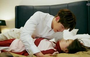 Uncontrollably Fond: Sau 4 lần phũ liên tiếp Suzy, Kim Woo Bin suýt thì có cảnh giường chiếu