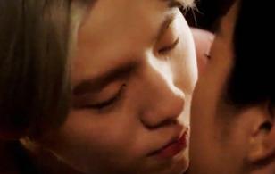 """""""Moorim School"""": Bất ngờ trước nụ hôn vội vàng của Lee Hyun Woo"""