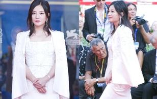 Triệu Vy tự tin sải bước thảm đỏ, chia sẻ về hai hôn lễ của Thư Kỳ và Lâm Tâm Như