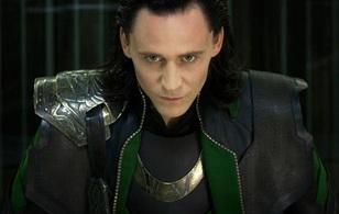 """Hé lộ hình ảnh đầu tiên về trai đẹp quốc dân Loki trong """"Thor: Ragnarok"""""""
