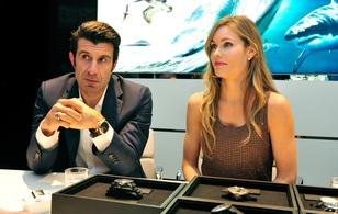 """""""Người ngoài hành tinh"""" Ronaldo từng mê mệt vẻ đẹp của vợ đồng đội Luis Figo"""