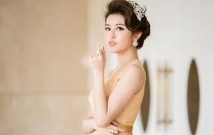 Á hậu Huyền My xinh đẹp lộng lẫy, bất ngờ được trao vương miện trong sự kiện