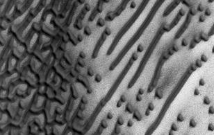"""NASA phát hiện thông điệp """"bí ẩn"""" trên Sao Hỏa"""