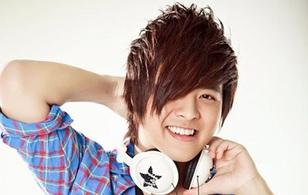 Hơn 40 ca sĩ hát trong liveshow tưởng nhớ Wanbi Tuấn Anh