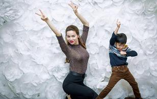 Hồ Ngọc Hà tạo dáng nhí nhố cùng Subeo trong tiệc sinh nhật