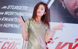 DJ Trang Moon nhắng nhít pose ảnh... một mình khi dự sự kiện