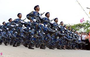 Hình ảnh lực lượng vũ trang diễu binh kỷ niệm 60 năm chiến thắng Điện Biên Phủ
