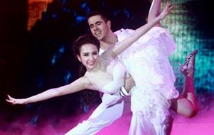 Angela Phương Trinh gây bất ngờ khi khiêu vũ ấn tượng
