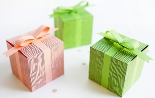 """Có giấy có mẫu, làm hộp quà tặng bạn chỉ trong """"1 lần búng tay"""""""