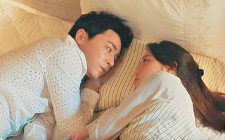 """""""Jealousy Incarnate"""": Jo Jung Suk mạnh dạn tấn công Gong Hyo Jin bằng nụ hôn thứ hai"""