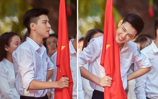"""Cư dân mạng mê tít vẻ điển trai của """"soái ca cầm cờ"""" trường THPT Phan Đình Phùng"""