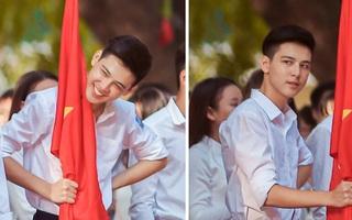 """Nam sinh lớp 10 khiến các cô gái """"đòi link"""" bằng được vì cầm cờ thôi mà cũng quá đẹp trai!"""