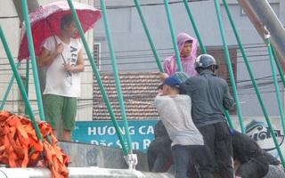 Ảnh hưởng bão số 10 ở Huế: Người đàn ông tử vong do nước lũ cuốn trôi, bé trai 3 tuổi mất tích